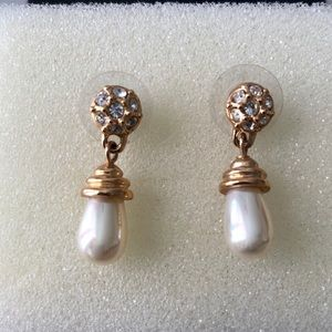 Pearl and rhinestone drop earrings